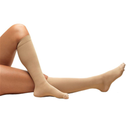Airway Surgical :: 8808S TRUFORM Anti-Embolism Below-Knee Closed-Toe Short Stockings