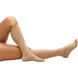 Airway Surgical :: 0808S TRUFORM Anti-Embolism Below-Knee Open Toe Short Stockings