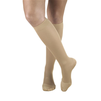 Image of 0363 TRUFORM Ladies' Opaque Knee High Closed-Toe Stockings 2