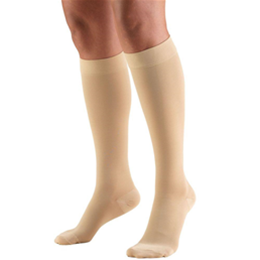 "Image of 8845S TRUFORM Classic Compression Ladies' Below Knee, Closed Toe, Short (15""), Stocking 2"